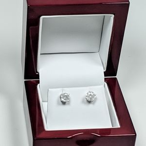 Sterling Silver 1.00 ct total Diamond weight stud